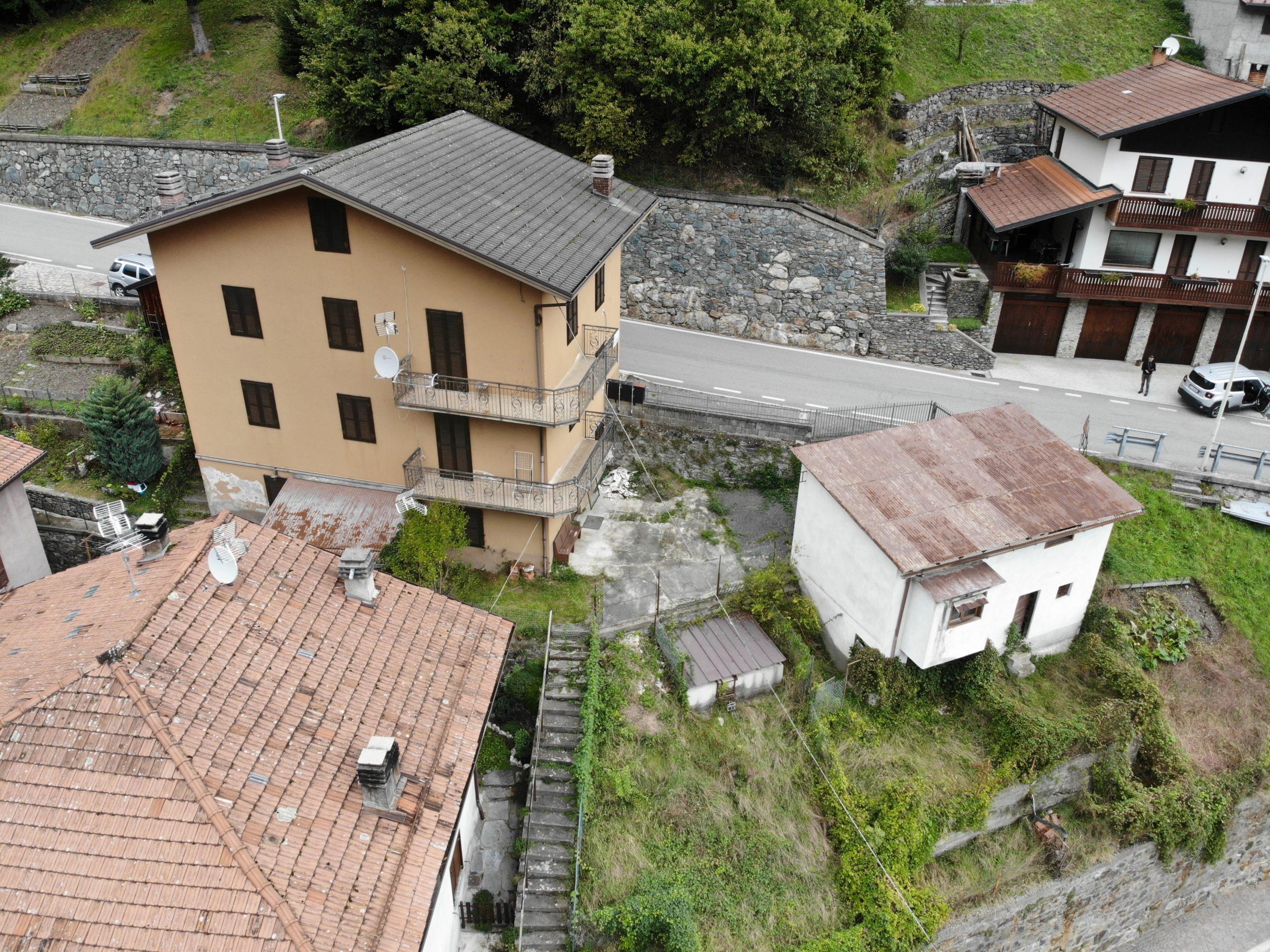 Zona Passo Vivione ampia casa indipendente con giardino