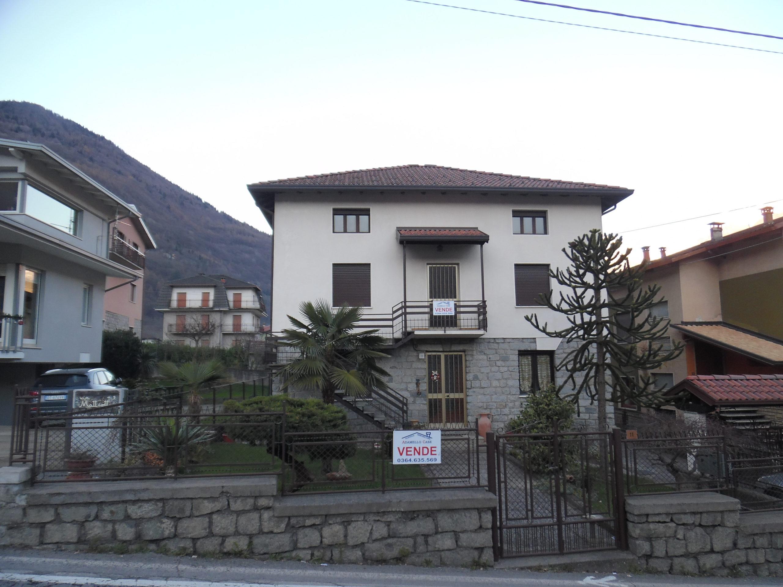 Malonno posizione comoda ai servizi villa indipendente con seconda casa e giardino
